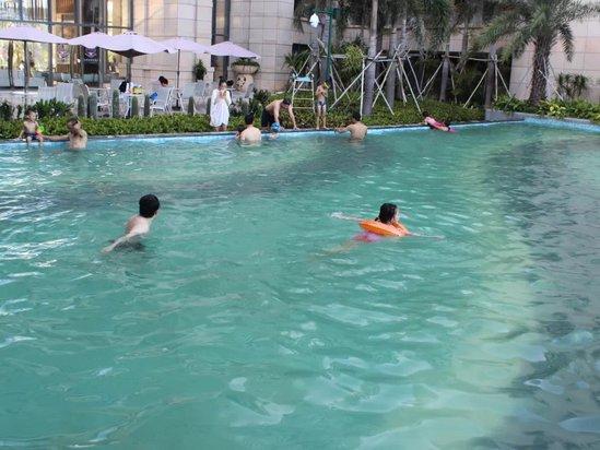 泳池 游泳池 549_412