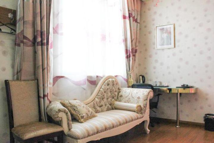 上海海纳宾馆情趣情趣时尚房sm假日道具美女图片