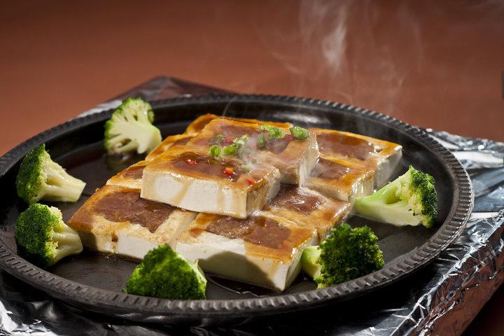 西安瑞斯丽大酒店—铁板花胶酿豆腐