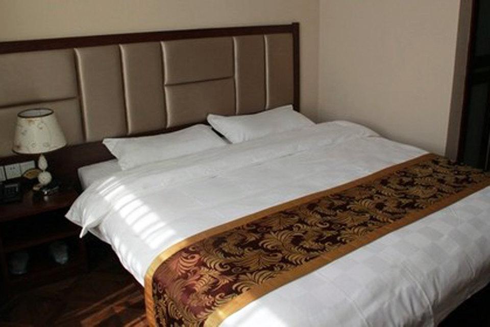 白城维克多大酒店(豪华大床房)