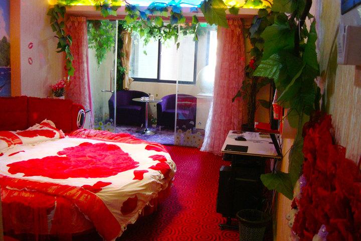 西安酒店情情趣天地自拍胶带情趣图片