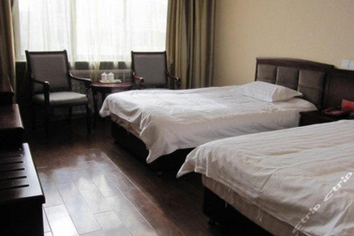 格尔木锦城山源宾馆(标准双人间)