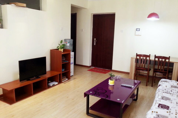 青岛金沙滩温馨度假公寓—精装套房(两室一厅)