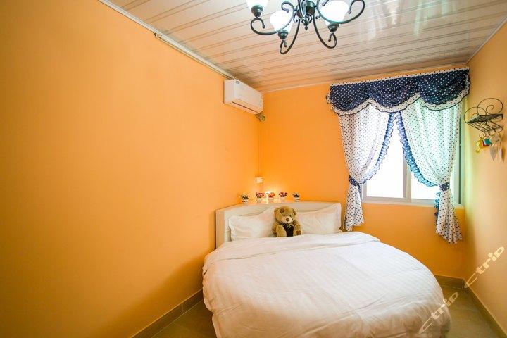 房间设计图卧室圆床