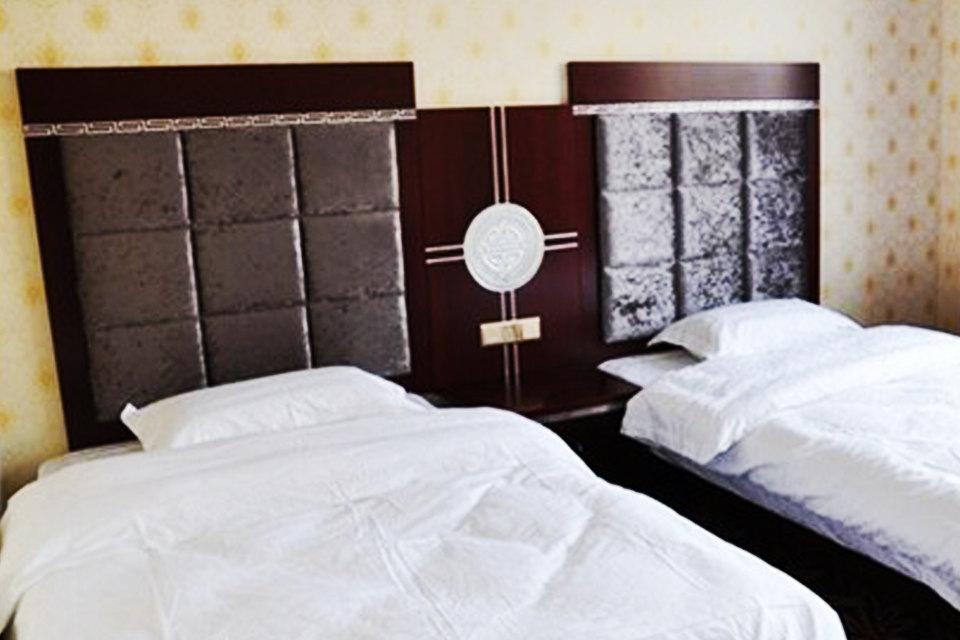 共和县伊尔曼假日宾馆(标准间)