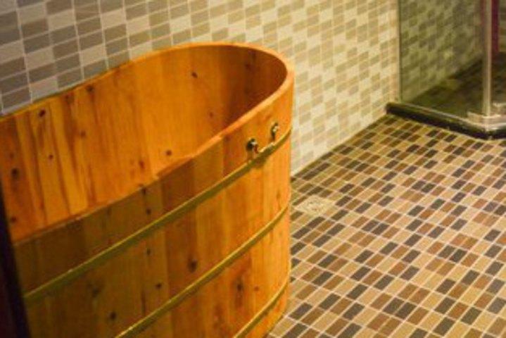 溪海之崴宾馆(豪华木桶浴