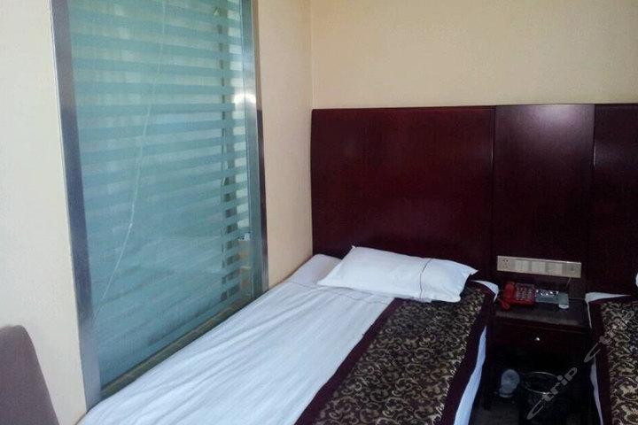 格尔木西藏矿业宾馆(普通两人间)