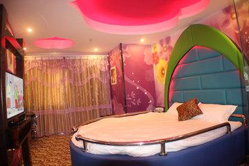 上海久艾视频(小时大床房b-4情趣)宾馆情趣丝袜少妇v视频图片