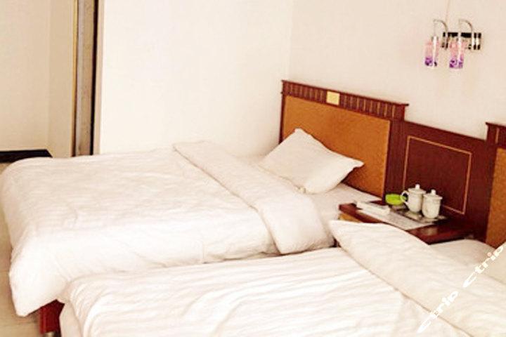 海南共和县扎西牧场酒店(一楼标间)