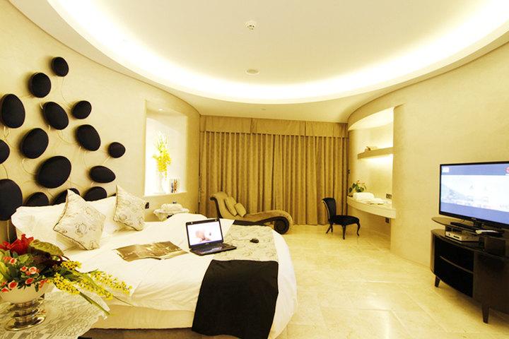 三亚凤凰岛奢华海景度假酒店