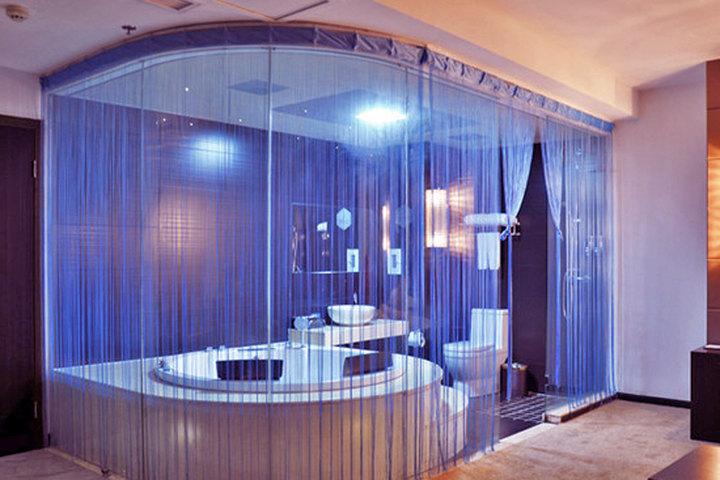 衢州蓝庭国际酒店全景情趣情趣男人用具飞机杯套房图片