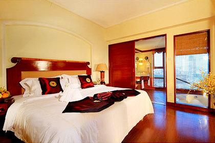 酒店装修豪华典雅,融欧式古典风格和东方古韵风味为一体,别具一格!