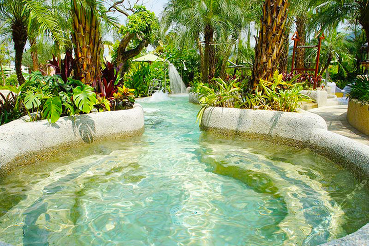 惠州南昆山云顶温泉度假村—室外温泉动感水疗区一角