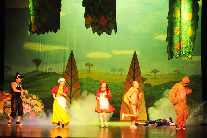 上海叮当儿童剧 小红帽之冲出魔法王国