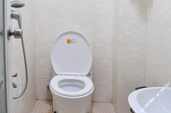三亚三和缘酒店-大床房/普标房卫生间图片