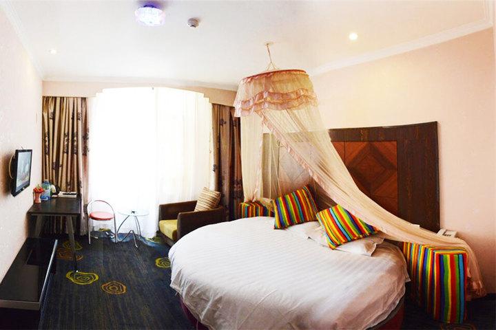奢华欧式圆床卧室装修