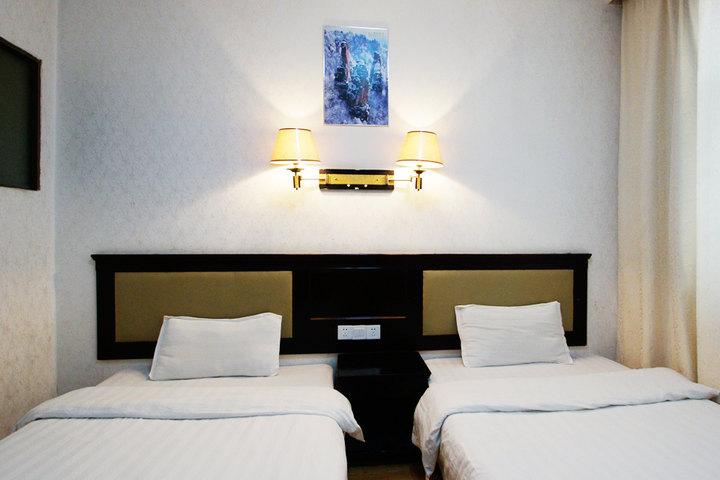 经济型 尊享 张家界金山商务宾馆标准间1晚 免费宽带/wifi 热水洗浴!