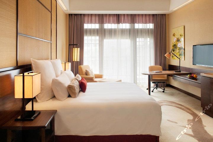 梁鸿/无锡梁鸿湿地丽笙度假酒店—高级客房