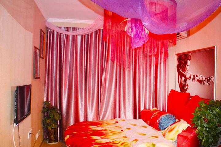 尊享重庆520情趣情趣酒店主题圆床房1晚免费宽带免费停车可v情趣网友文约去酒店情趣图片