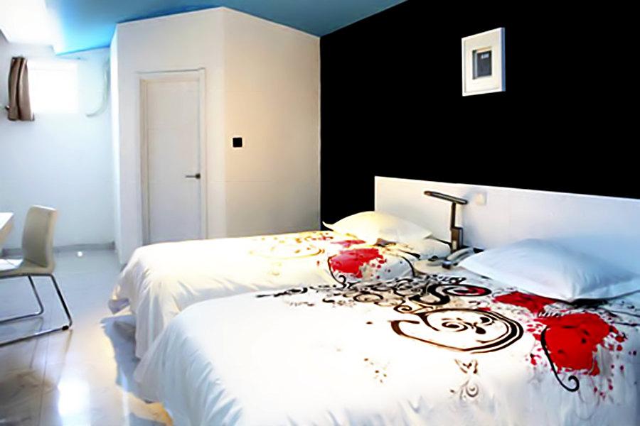 包含项目   1,创意双床房/创意大床房/概念大床房1晚住宿;   2,免费图片