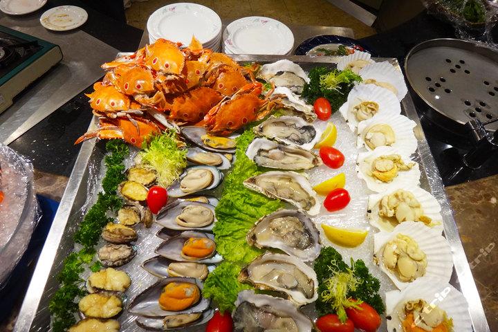 成都总府皇冠假日酒店—自助晚餐海鲜台