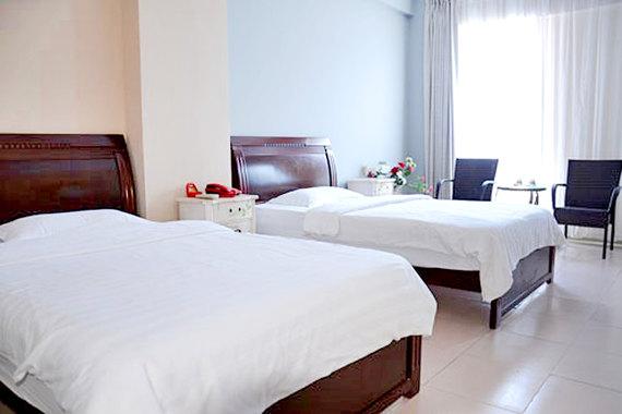 滨海大道直接连通酒店与海口著名景点,临近海南大学,交通十分