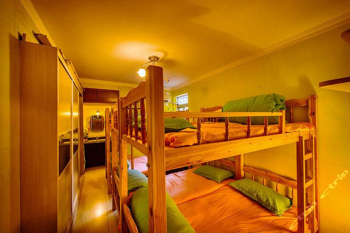 观沙艺术青年旅舍_厦门小房子青年旅舍(上下铺床位1张)