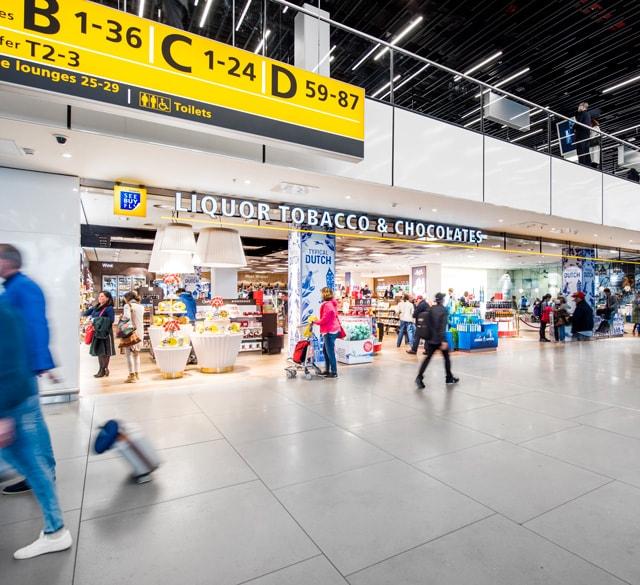 荷兰史基浦机场免税店(酒/烟/巧克力专柜)