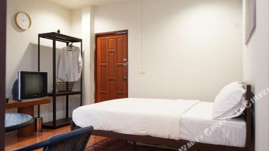 OYO 984 Boxbolo House Chiangmai Hotel