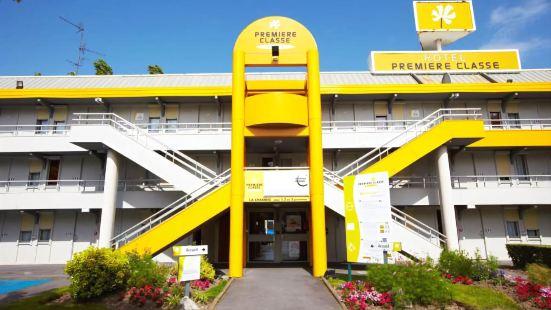 Premiere Classe St Quentin en Yvelines Elancourt