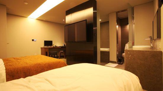 레몬트리 호텔