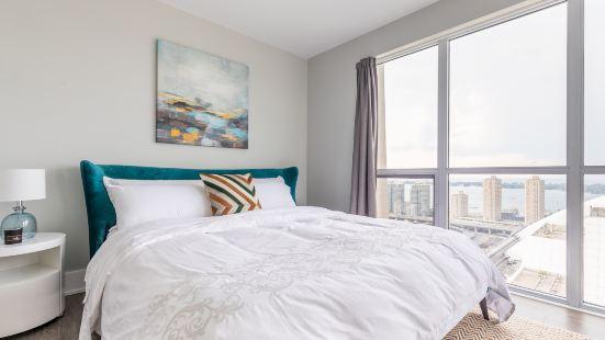 Premium Corner Suite - Lake View