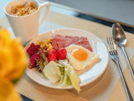 宜尚酒店(昆明火车站店)酒店超值自助营养早餐