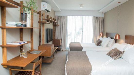 AQ Tailored Suites