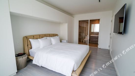 District 3: 2 Bedrooms Apartment in Sai Gon Center