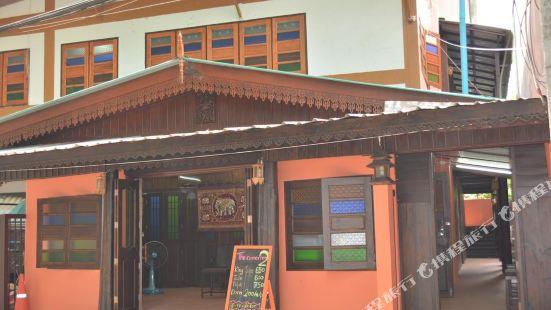The Corner Inn 2