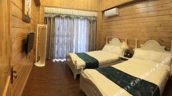 Wooden Villa Featured Homestay