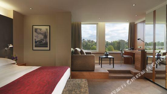 Royal Garden Hotel London