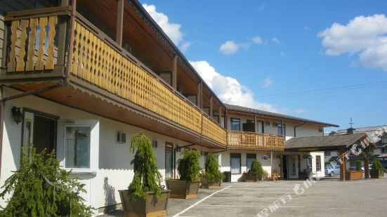 Chalet Continental Motel