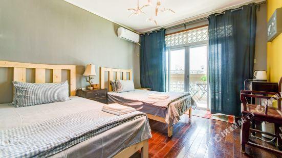 LaozhouJia Hostel