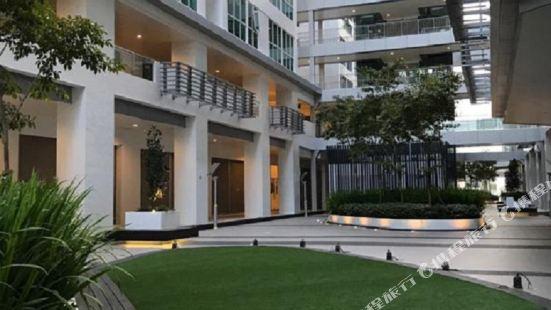 Brand New Modern Avenue Suite Kota Kinabalu