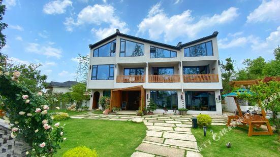 Anjia grass courtyard house