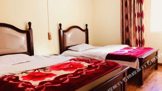 Bobocuo Tibetan Hostel