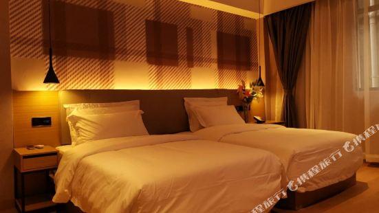Moli Hotel