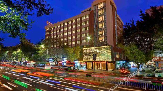 Jia Hu Li Ying Hotel (Qixingyan Archway)