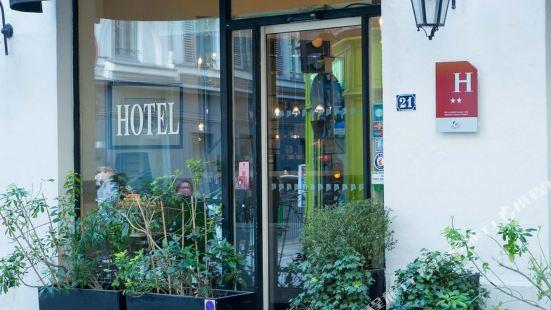 パリ サント オノリーヌ ホテル