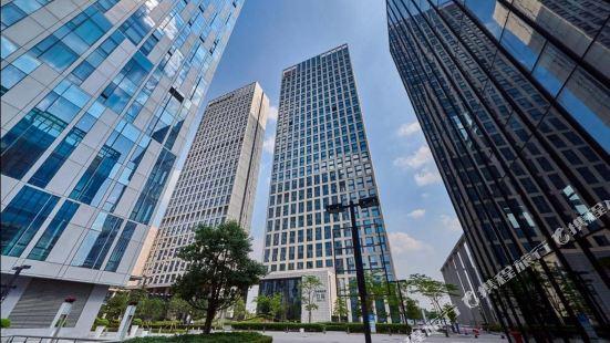 Xingyi International Apartment (Guangzhou Poly World Trade Center)