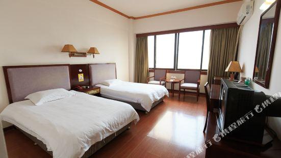 Baiyun Jiangjing Hotel