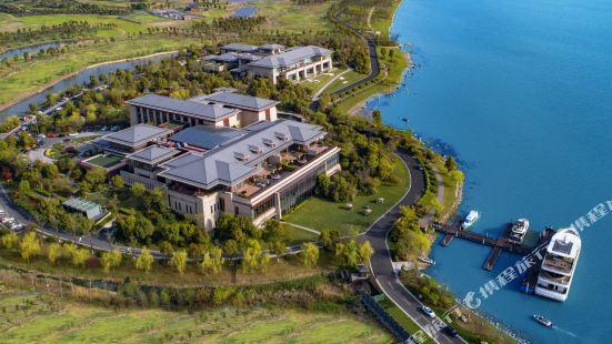 East Tai Lake Grand Hotel
