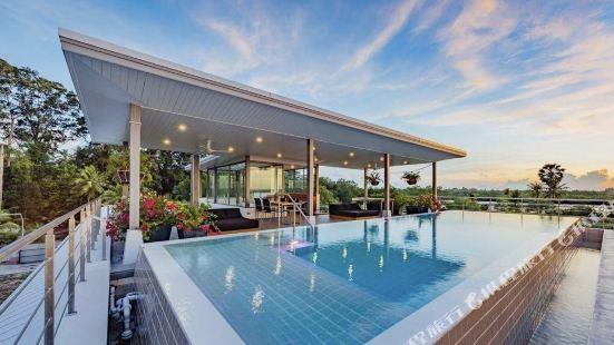 Talay Thong Beach Front Villa